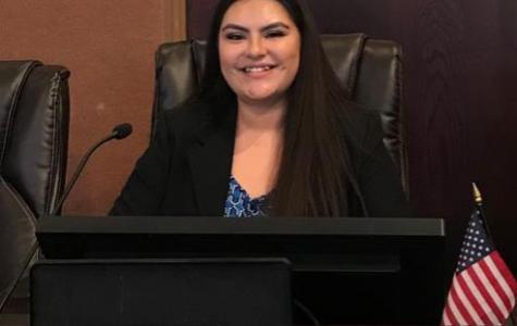 Yvette Hernandez Wins $20,000 Dell Scholarship